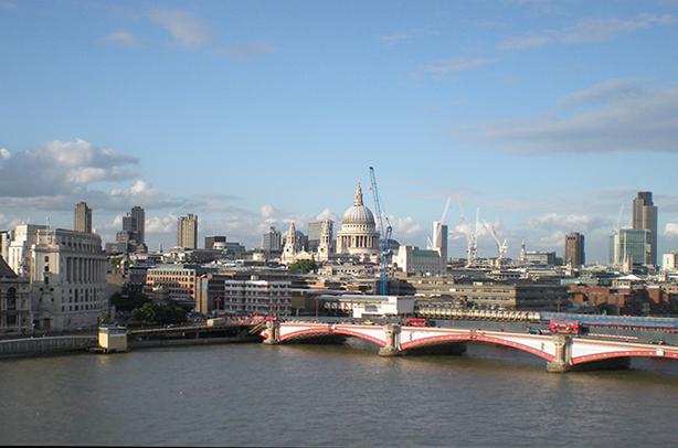 London Thames Blackfriars Bridge tunnel MMO